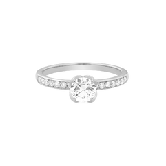 Delphine engagement ring