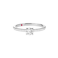 Pretty Woman classic engagement ring