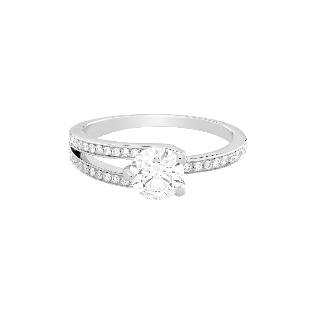 Amour Fou engagement ring
