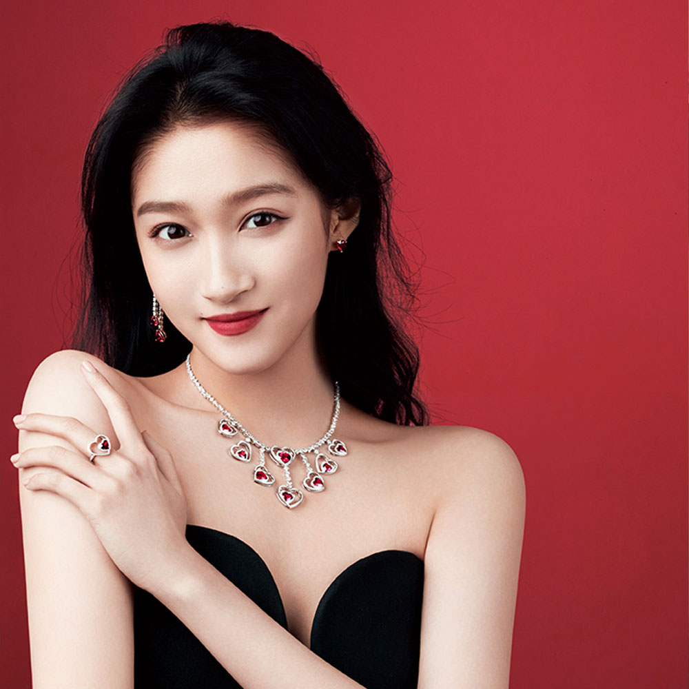 Guan Xiaotong, new China Pretty Woman ambassador